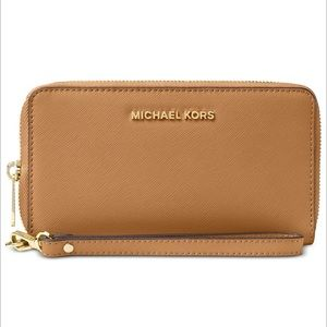 Michael Kors Smartphone Wristlet